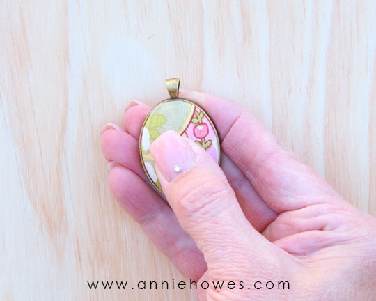 HOw to make fabric pendants